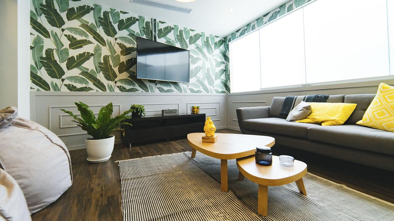 Maison moderne et stylée : décorez également vos murs !